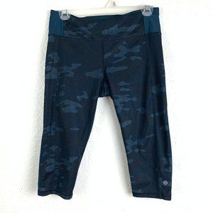 "Lululemon Size 8 Blue Crop Leggings 17"""